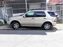 Images of Mercedes Benz ML