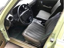 Images of Mercedes Benz 300 D