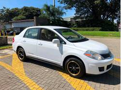 Images of Nissan Versa