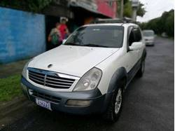 Images of Ssangyong Rexton