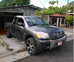 Images of Nissan Titan