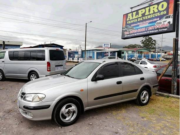 Images of Nissan Almera
