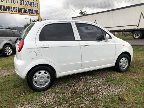 Images of Chevrolet Spark