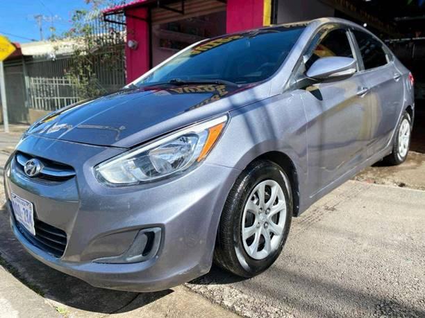 Images of Hyundai Accent