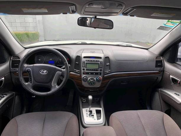 Images of Hyundai Santa Fe