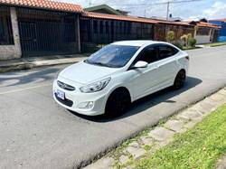 Images of Hyundai Accent Blue