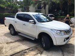 Images of Mitsubishi L200