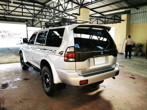 Images of Mitsubishi Montero
